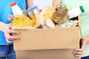 סלי מזון לפסח למשפחות שנמצאות בטיפול של מרכז גרנות