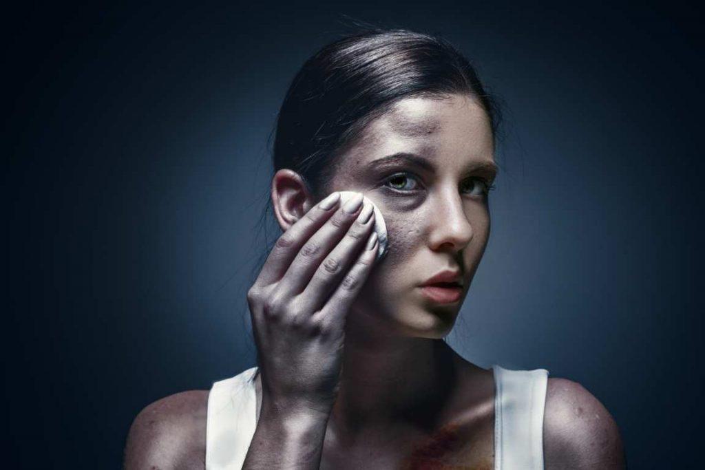 אלימות נגד נשים: זה לא רק פיזי